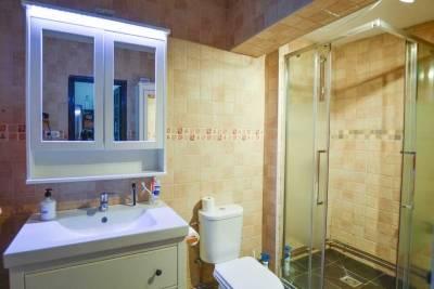 Calle Baja Bathroom